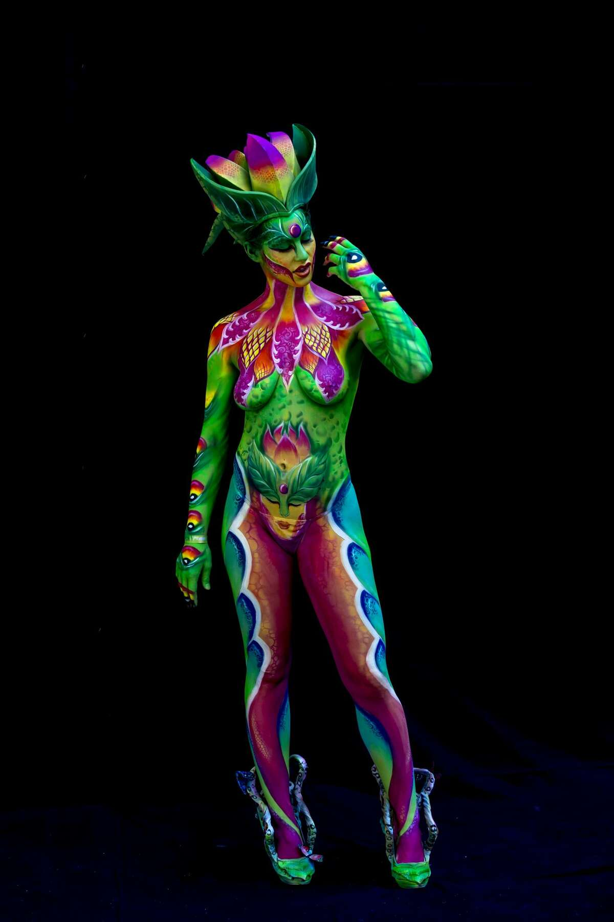 A model poses for a picture during the World Bodypainting Festival 2016 on July 1, 2016 in Poertschach am Woerthersee, Austria. (Photo by Jan Hetfleisch/Getty Images)