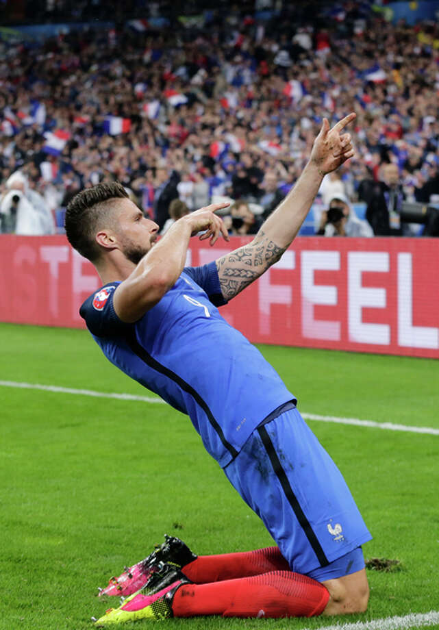Olivier Giroud scored two goals and set up two others in France's 5-1 win over Iceland. Photo: Petr David Josek / AP / AP