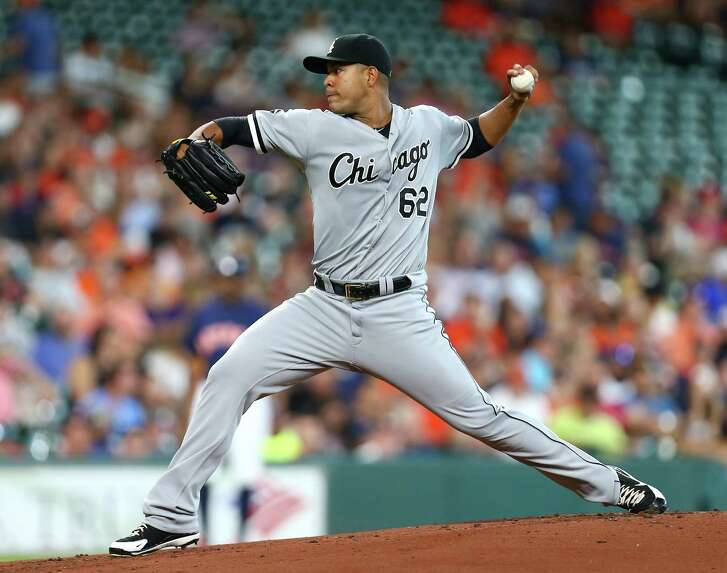 Chicago White Sox starting pitcher Jose Quintana (62) pitches during the first inning of an MLB game at Minute Maid Park, Sunday, July 3, 2016, in Houston.  ( Jon Shapley / Houston Chronicle )