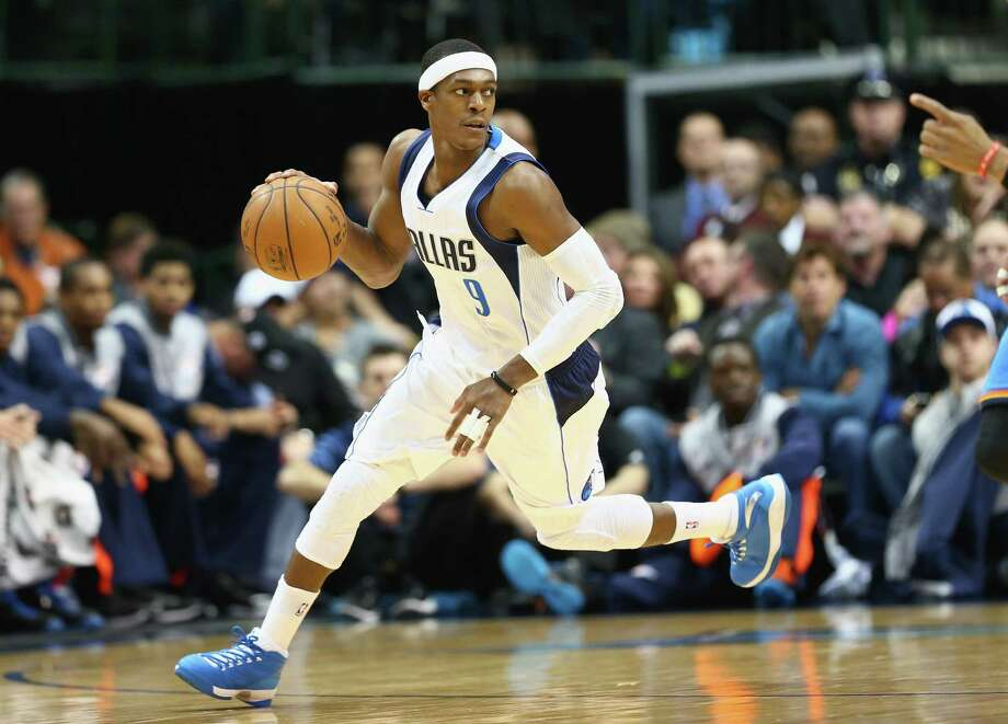 DALLAS, TX - DECEMBER 28:  Rajon Rondo #9 of the Dallas Mavericks dribbles the ball against the Oklahoma City Thunder at American Airlines Center on December 28, 2014 in Dallas, Texas.  NOTE TO USER: User expressly acknowledges and agrees that, by downloading and or using this photograph, User is consenting to the terms and conditions of the Getty Images License Agreement.  (Photo by Ronald Martinez/Getty Images) ORG XMIT: 508085355 Photo: Ronald Martinez / 2014 Getty Images