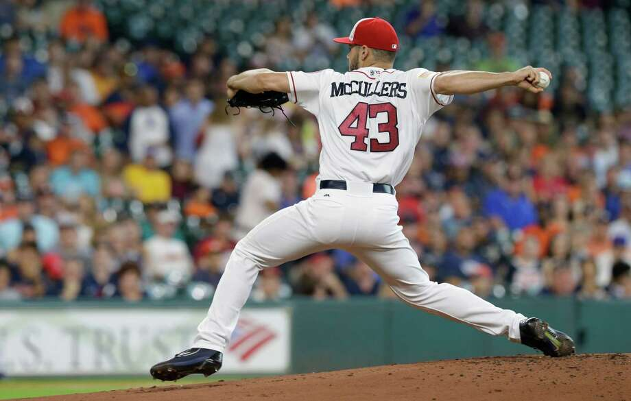 Houston Astros Lance McCullers pitches against Seattle Mariners during the first inning at Minute Maid Park Monday, July 4, 2016, in Houston. Photo: Melissa Phillip, Houston Chronicle / © 2016 Houston Chronicle