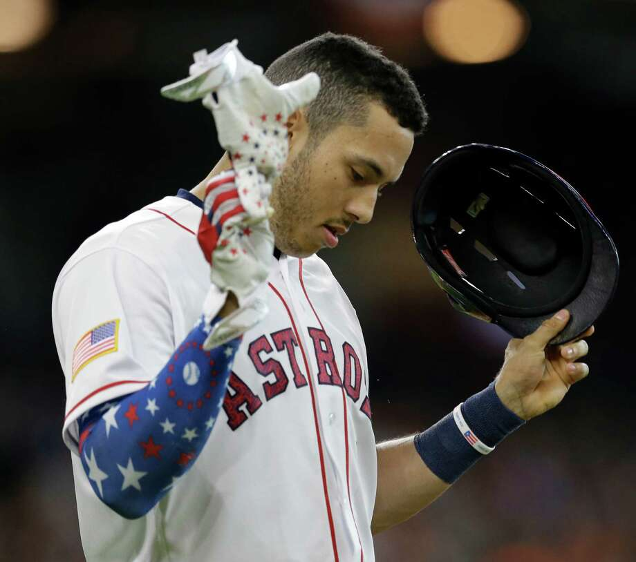 Houston Astros Carlos Correa reacts after he lines out against Seattle Mariners during the third inning at Minute Maid Park Monday, July 4, 2016, in Houston. Photo: Melissa Phillip, Houston Chronicle / © 2016 Houston Chronicle