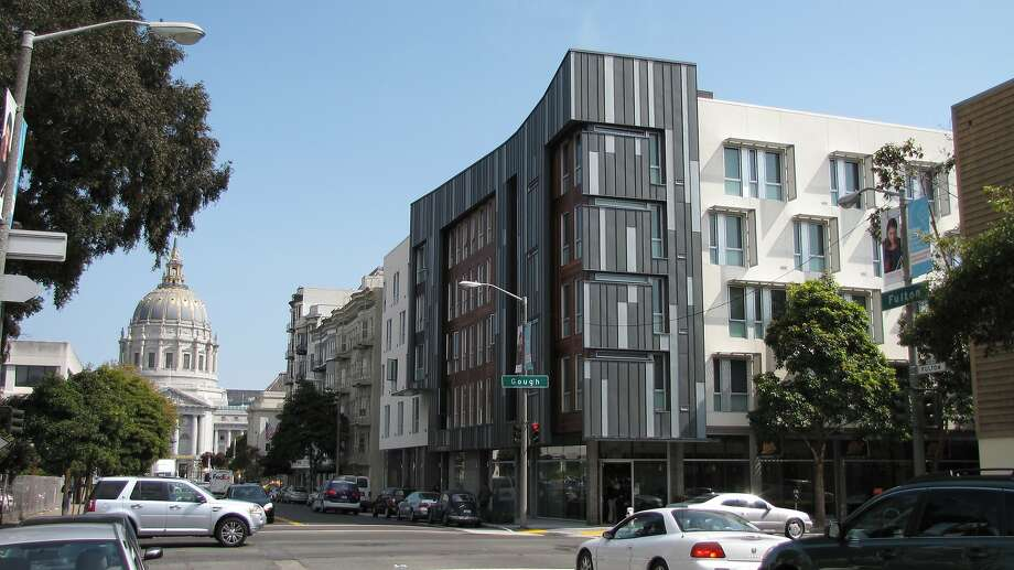 A 2012 photograph of Richardson Apartments — the supportive housing complex at the corner of Fulton and Gough streets. Photo: John King, San Francisco Chronicle