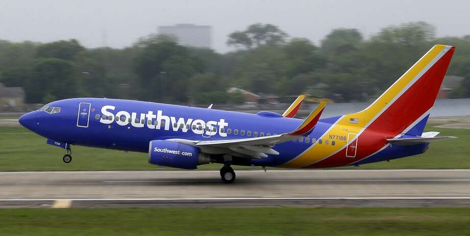 Revenue Growth Analysis of Southwest Airlines Co. (NYSE:LUV)