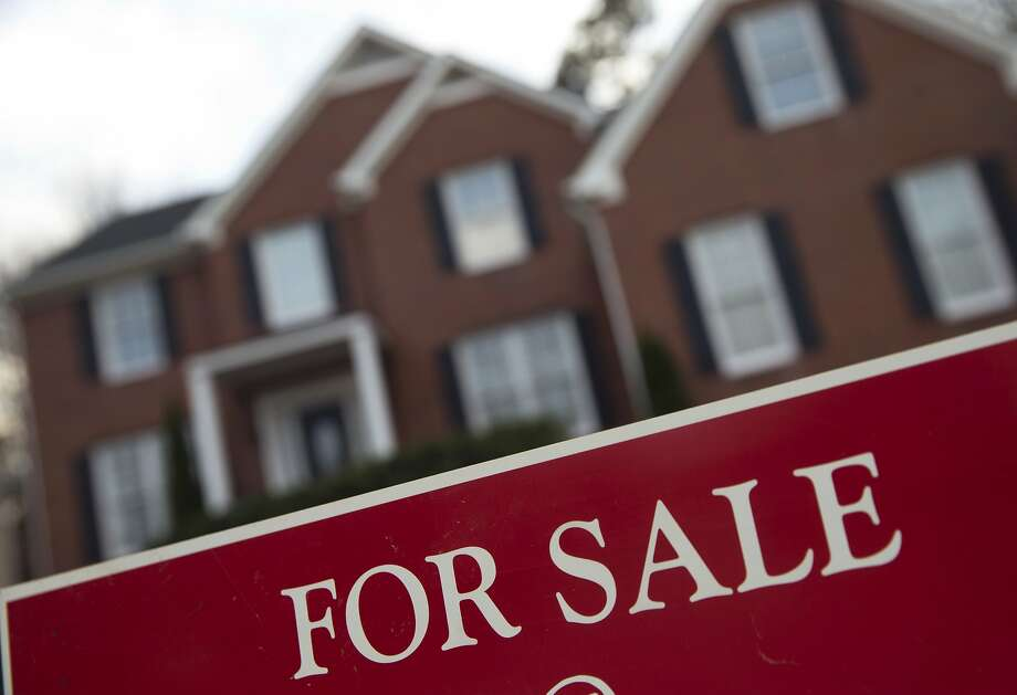 Nonresident foreigners purchased roughly 88,500 homes in 12 months. Photo: John Bazemore, Associated Press
