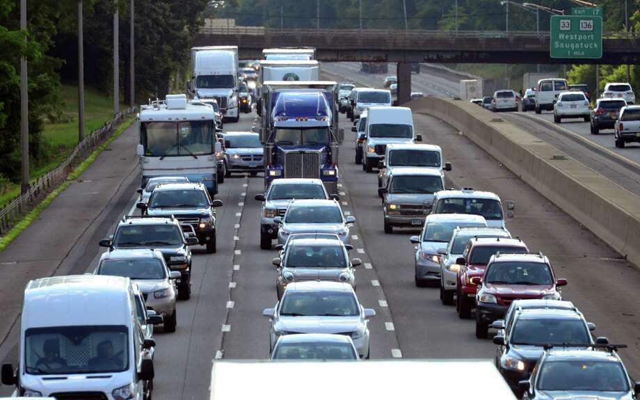 Traffic backs up during rush hour along Interstate 95 north in Westport on Wednesday. Photo: Christian Abraham / Hearst Connecticut Media / Connecticut Post