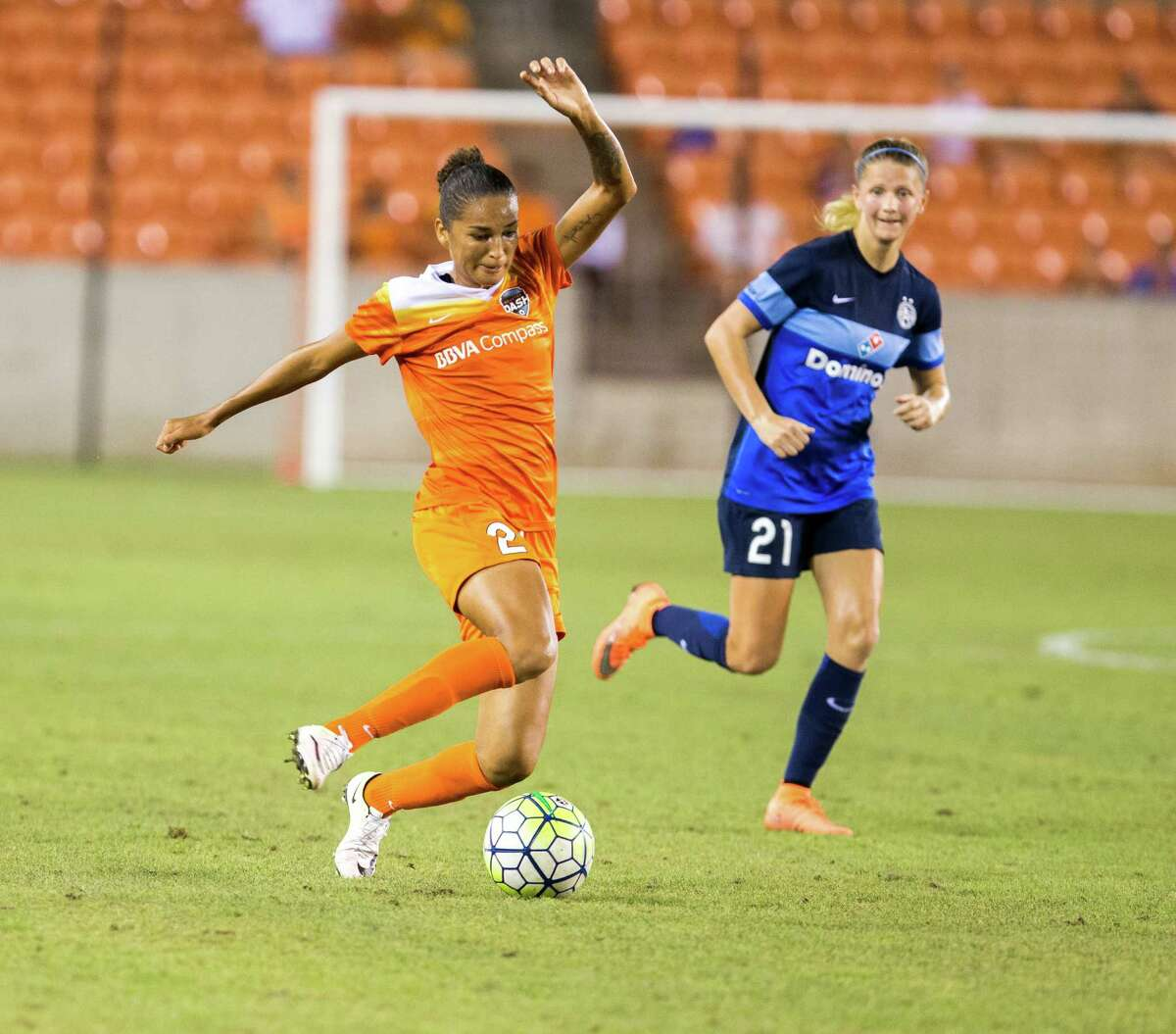 Houston Dash defender Poliana Barbosa (2) pushes the ball down the field against the FC Kansas City during the second half of action between the Houston Dash and the FC Kansas City during a soccer game at BBVA Compass, Sunday, June 19, 2016, in Houston. FC Kansas City defeated Houston Dash 1-0.
