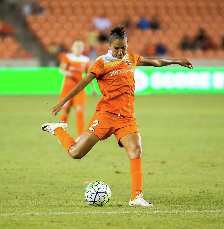 Dash defender Poliana scored her second NWSL goal last week, but it came in a 5-1 loss at Seattle. The Dash expect to bounce back Saturday when they take on the Washington Spirit on the road. Photo: Juan DeLeon, FRE / Houston Chronicle