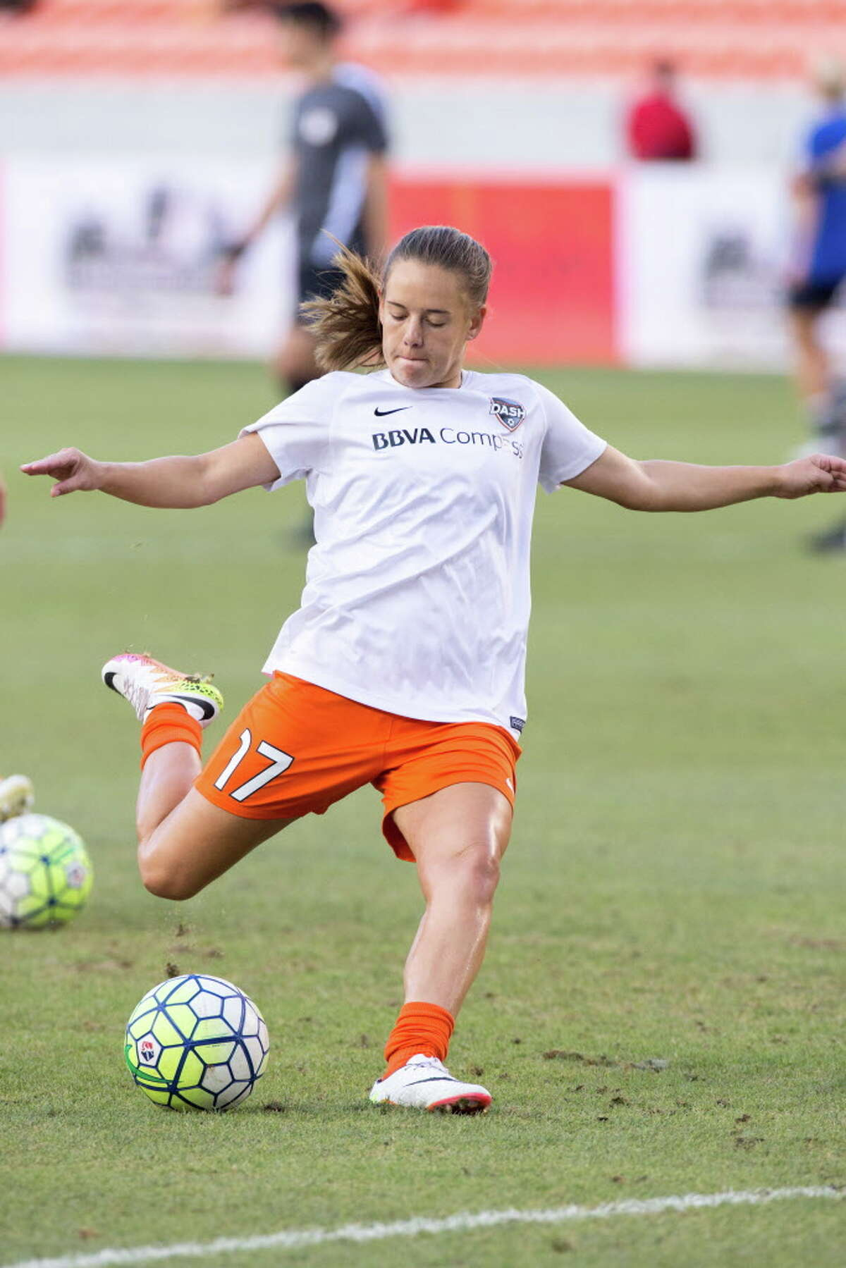 Houston Dash midfielder Andressa Machry (17) warms up on the field against the FC Kansas City before action between the Houston Dash and the FC Kansas City during a soccer game at BBVA Compass, Sunday, June 19, 2016, in Houston. FC Kansas City defeated Houston Dash 1-0.