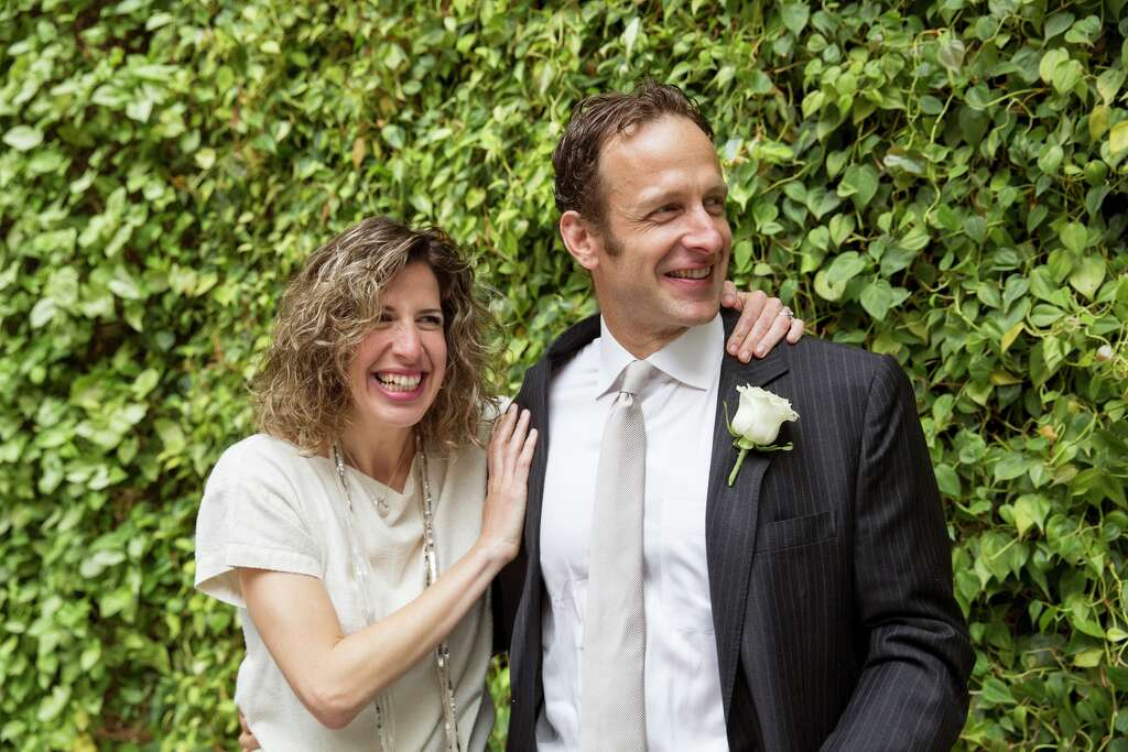ben and noa got married at airbnb headuarters at 888 brannan in san francisco on july airbnb office 6 google san