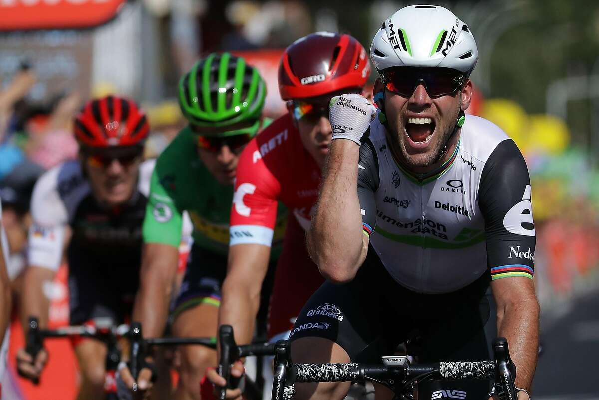 MONTAUBAN, FRANCE - JULY 07: Mark Cavendish of Great Britain riding for Team Dimension Data wins stage six of the 2016 Le Tour de France a 190.5km stage from Arpajon-Sur-Cere to Montauban on July 7, 2016 in Montauban, France. (Photo by Chris Graythen/Getty Images)