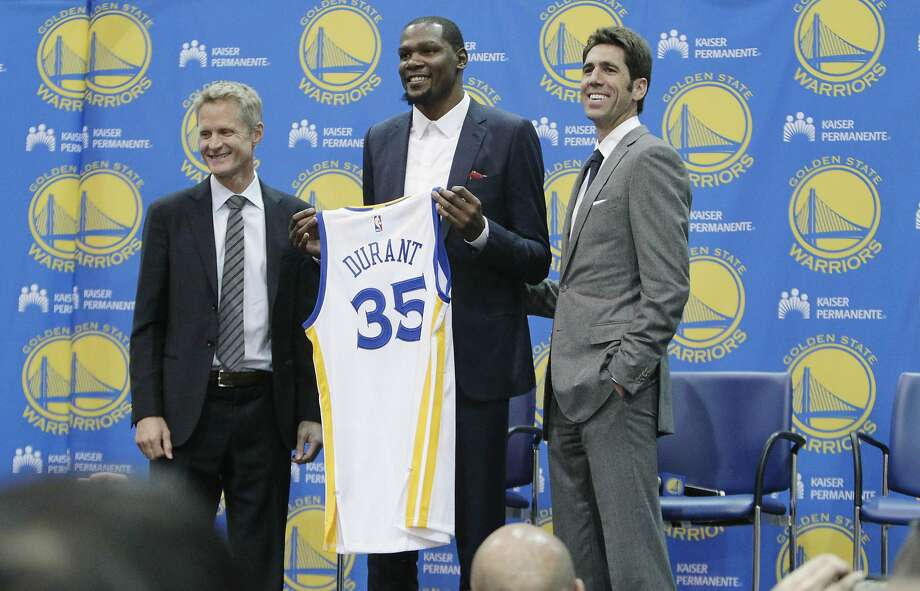 The Warriors have seen their franchise value rise rapidly over the past few years. Click ahead to see how they, and other Bay Area teams, rank against the world's most valuable sports teams. Photo: Lea Suzuki, The Chronicle
