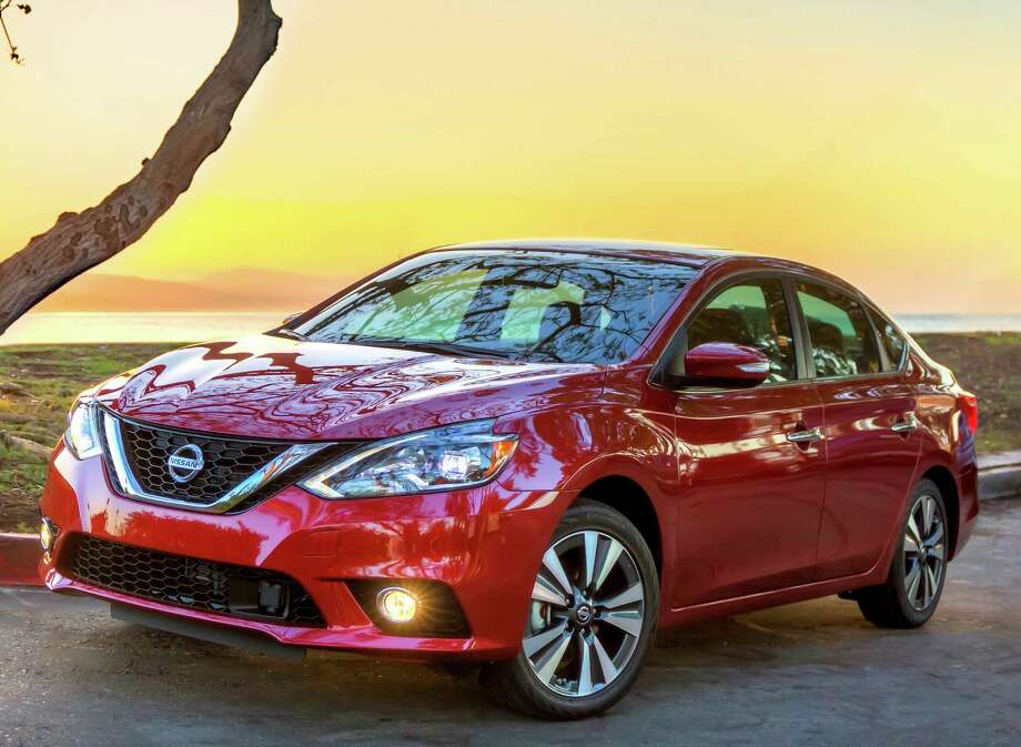 The new 2016 Nissan Sentra exterior redesign brings its appearance closer in look and feel to its more upscale showroom siblings, including the Maxima and Altima sedans and the Murano crossover. Photo: Nissan / © 2015 Nissan