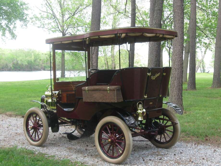 One of the early cars was made by the Thomas B. Jeffery Company in Wisconsin, called the Rambler. Photo: Motor Matters