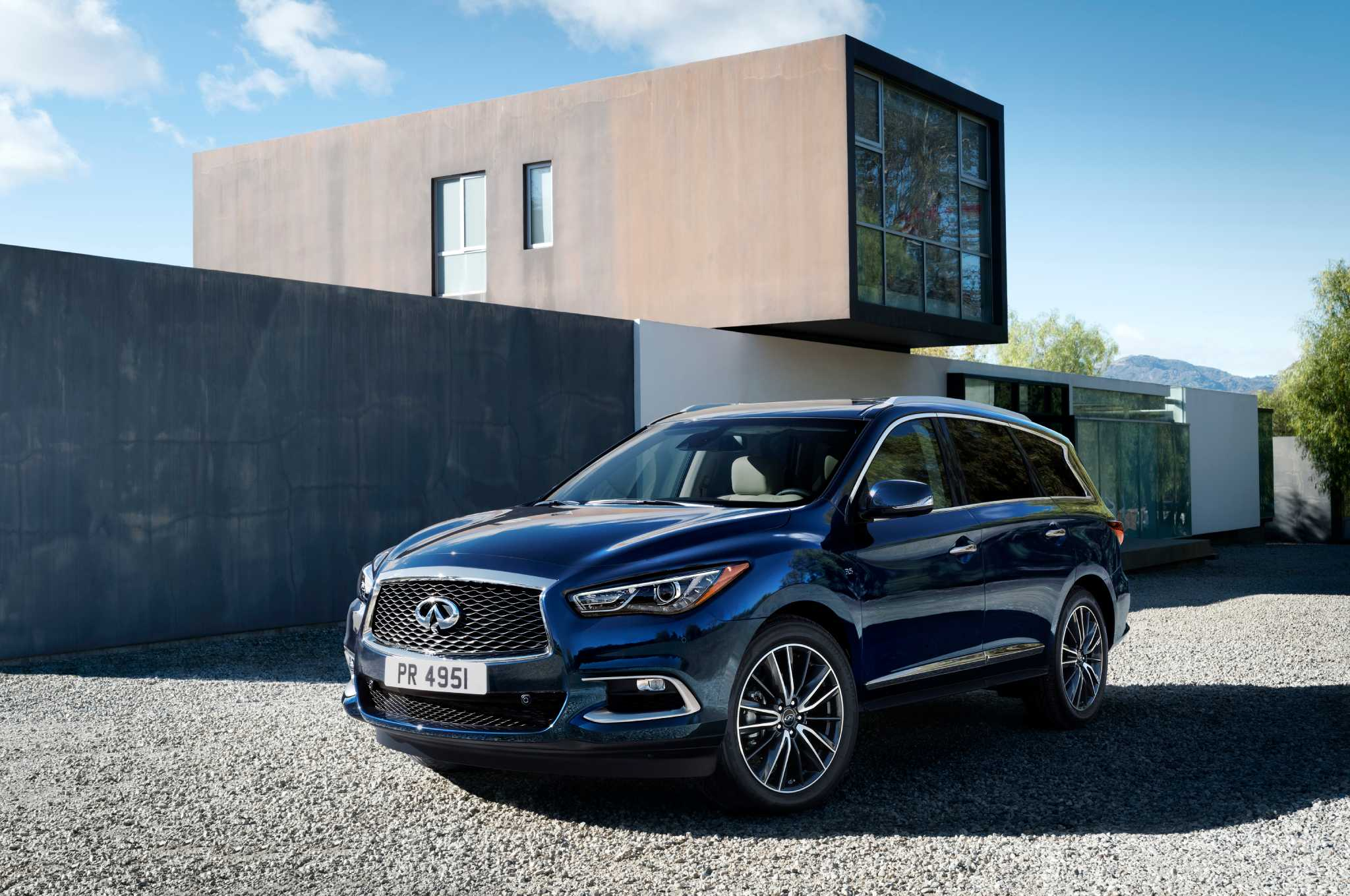 Infiniti updates three-row QX60 crossover for 2016