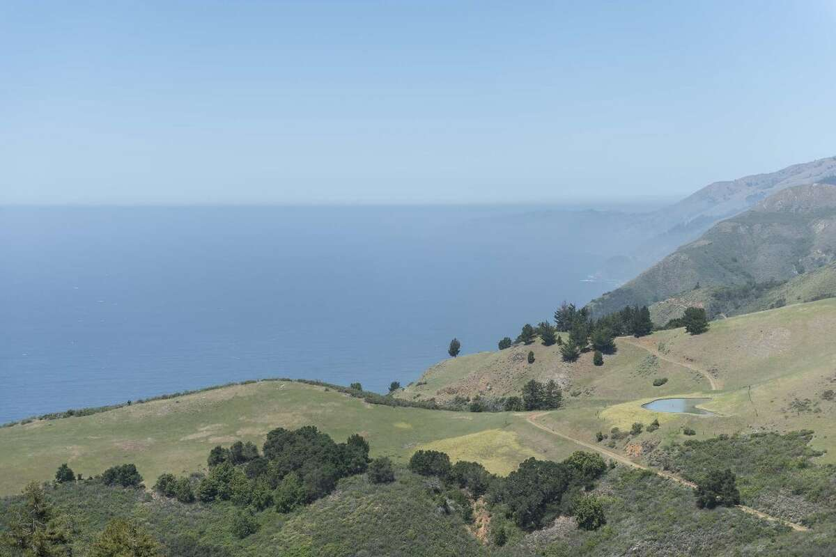 At this Big Sur home bordering the Padres National Forest and overlooking the Pacific Ocean, you'll feel like you're a million miles away from the troubles of the world. On the market for $2.75 million.