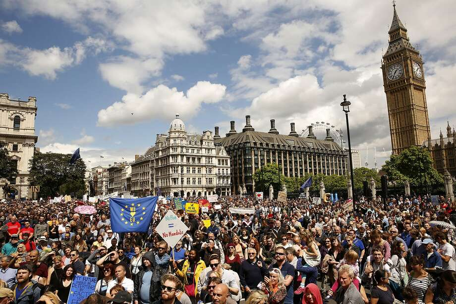 More than 20,000 people gather to protest against Great Britain leaving the European Union on Saturday, July 2, 2016, in central London, where marchers made their way to Parliament Square. (Carolyn Cole/Los Angeles Times/TNS) Photo: Carolyn Cole, TNS