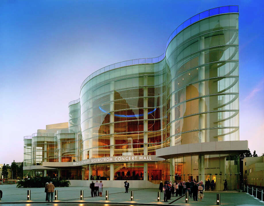 The 2006 Renée and Henry Segerstrom Concert Hall in Costa Mesa, California is an elegant and vibrant urban gesture and sculptural form. Photo: Courtesy Pelli Clarke Pelli