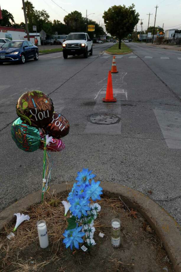 A small memorial for Alva Braziel, who was shot and killed near his home on Houston's south side, greets passers-by at the corner of Cullen and Ward Streets. Photo: Karen Warren, Staff / © 2016 Houston Chronicle