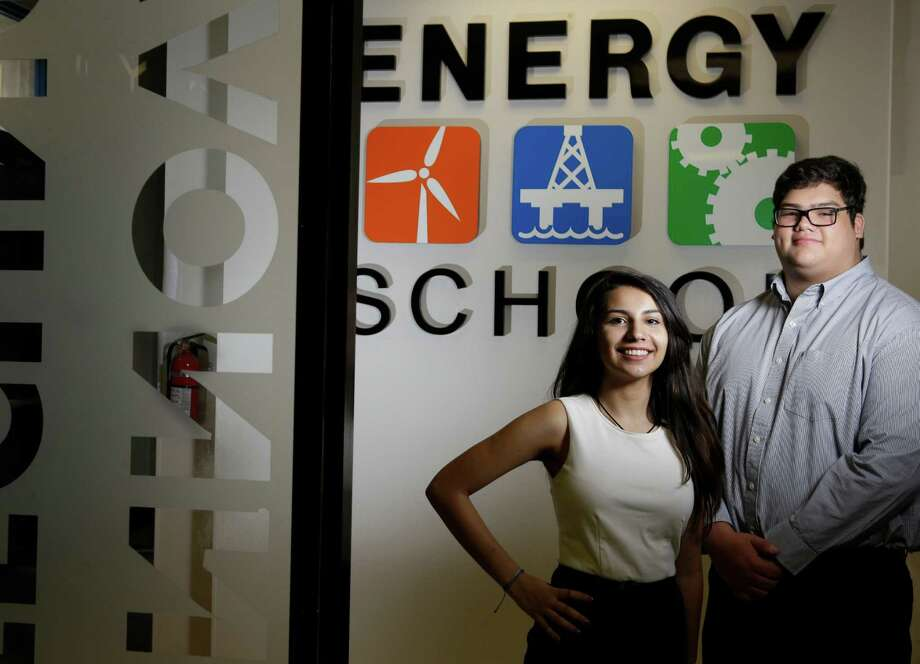 Avin Pasalar, left, and Matthew Diaz, both 17, are seniors at the Energy Institute High School, an institution that focuses exclusively on energy. Photo: Melissa Phillip, Staff / © 2016 Houston Chronicle
