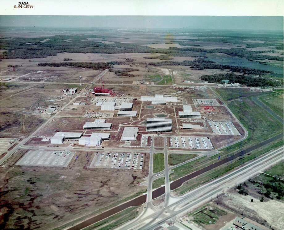 Aerial view of Manned Spacecraft Center. later renamed the Johnson Space Center, in Clear Lake in 1964. / handout