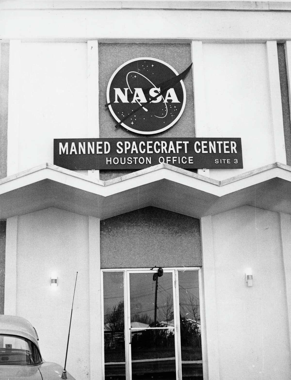In 1962, part of the Space Center was in an interim building at Telephone Road and Westover. The Rich Building was one of several that was leased in the Houston area until NASA moved to its permanent home near Clear Lake.