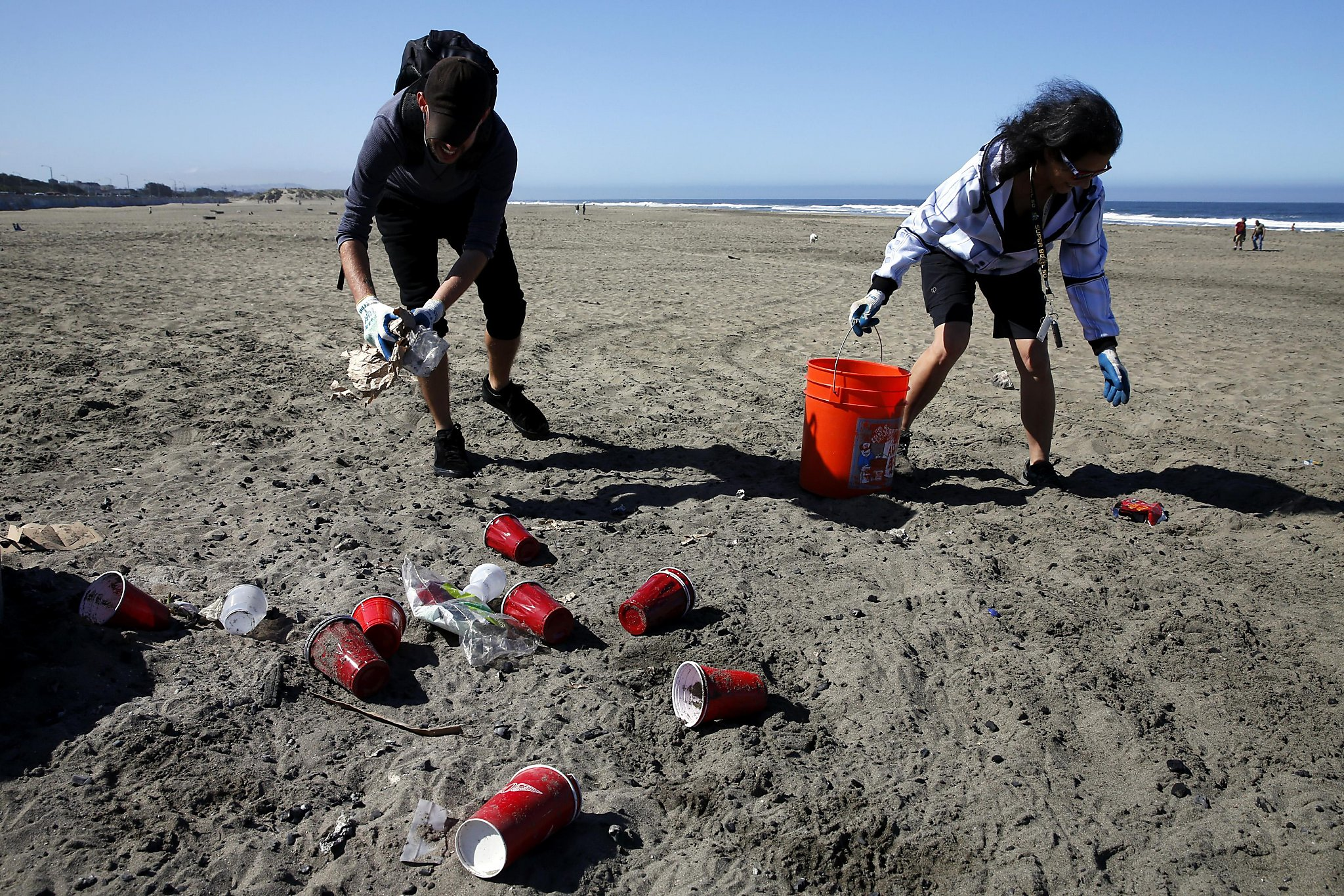 Volunteers Keep Ocean Beach From Drowning In Trash Sfgate