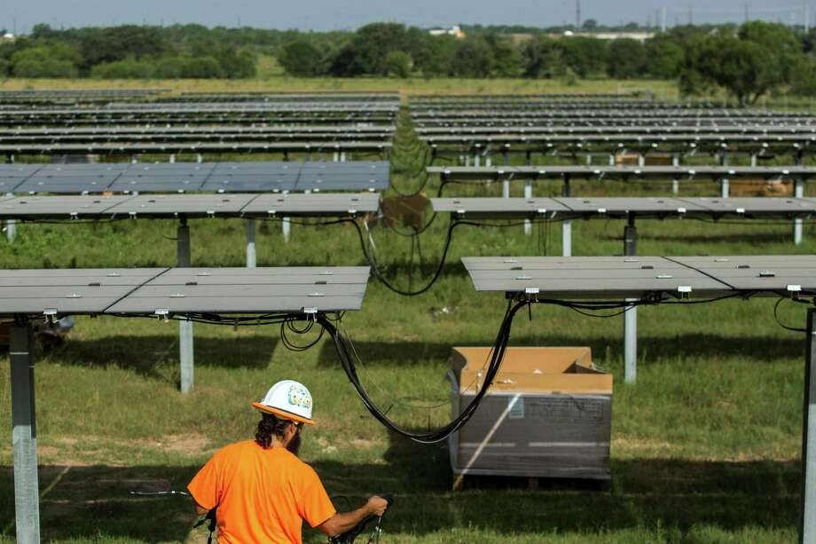 San Antonio is no No. 6 in the country for installed solar, leapfrogging over larger cities in the Midwest and East Coast. Photo: Ray Whitehouse /for The San Antonio Express-New