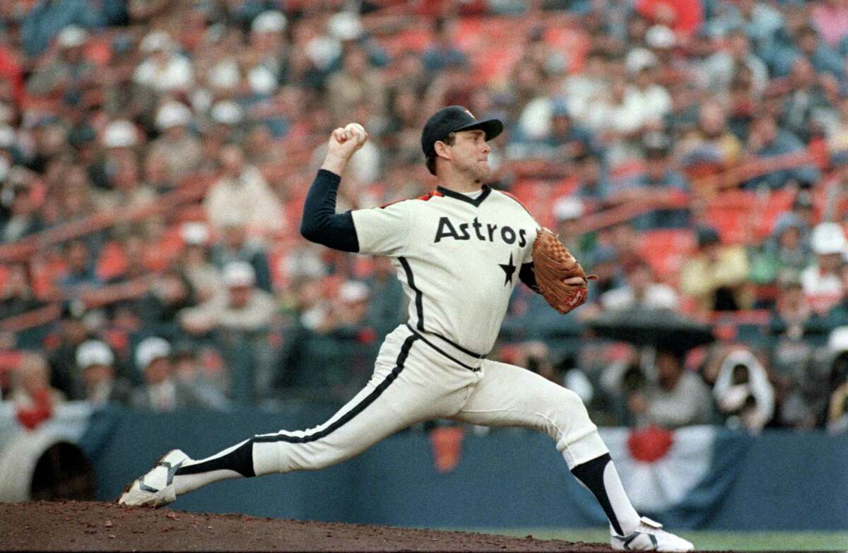 October 14, 1986--Nolan Ryan pitches against the New York Mets in game 5 of the National League Championship series in New York. (Howard Castleberry/Chronicle)