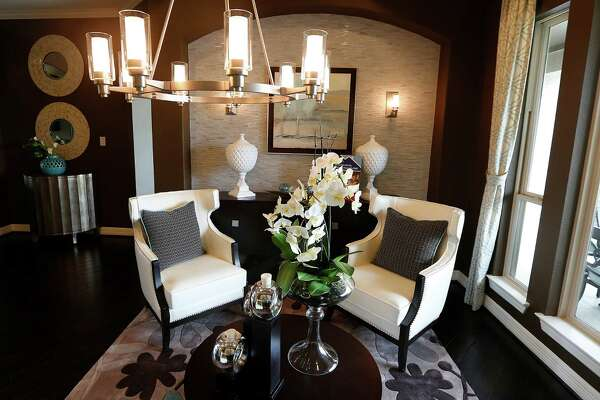Crowdsourcing Yields Contemporary Décor HoustonChroniclecom - Crowdsourcing interior design
