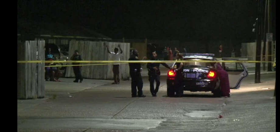 A man was critically wounded about 10 p.m. Monday, July 11, 2016, at an apartment complex in the 7200 block of Scott in south Houston. (Metro Video)