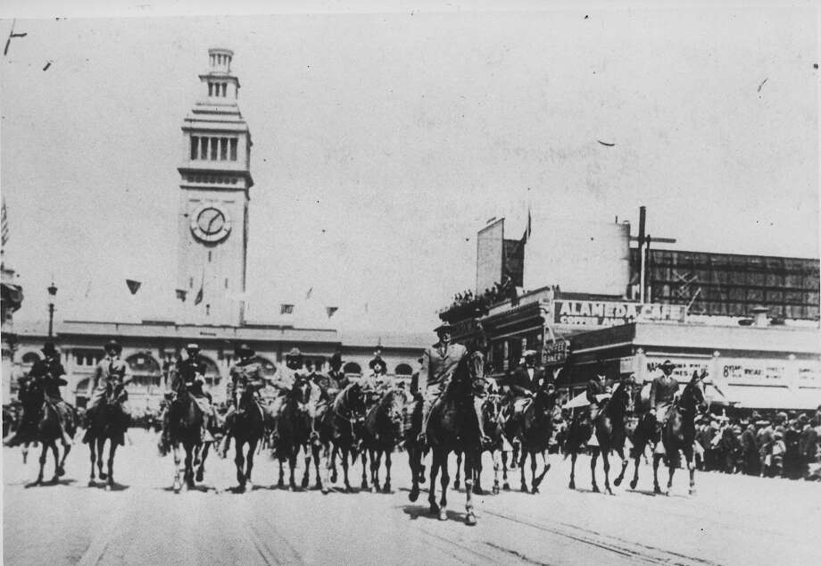 The Preparedness Day parade shortly before the bombing on July 22, 1916.