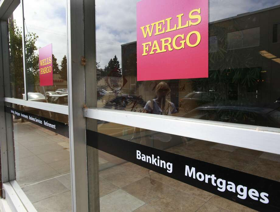 An advertisement for home mortgages is shown at a Wells Fargo Bank in Menlo Park, Calif. The number of loans by nonbank lenders soared in 2015. Photo: Paul Sakuma, AP