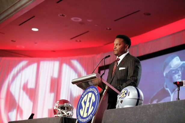 Texas A&M coach Kevin Sumlin on Tuesday told SEC media that he doesn't shy away from the lofty expectations of Aggies fans.