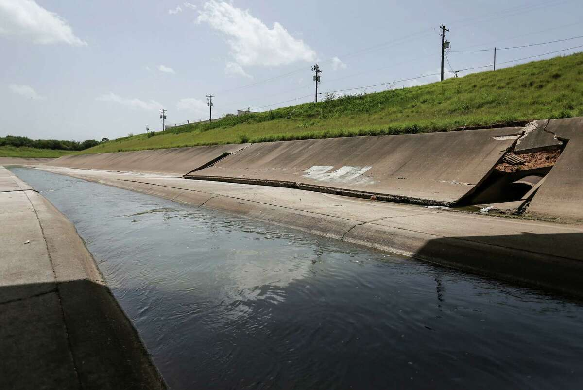 Any project to replace White Oak Bayou's lining also has to control flooding.