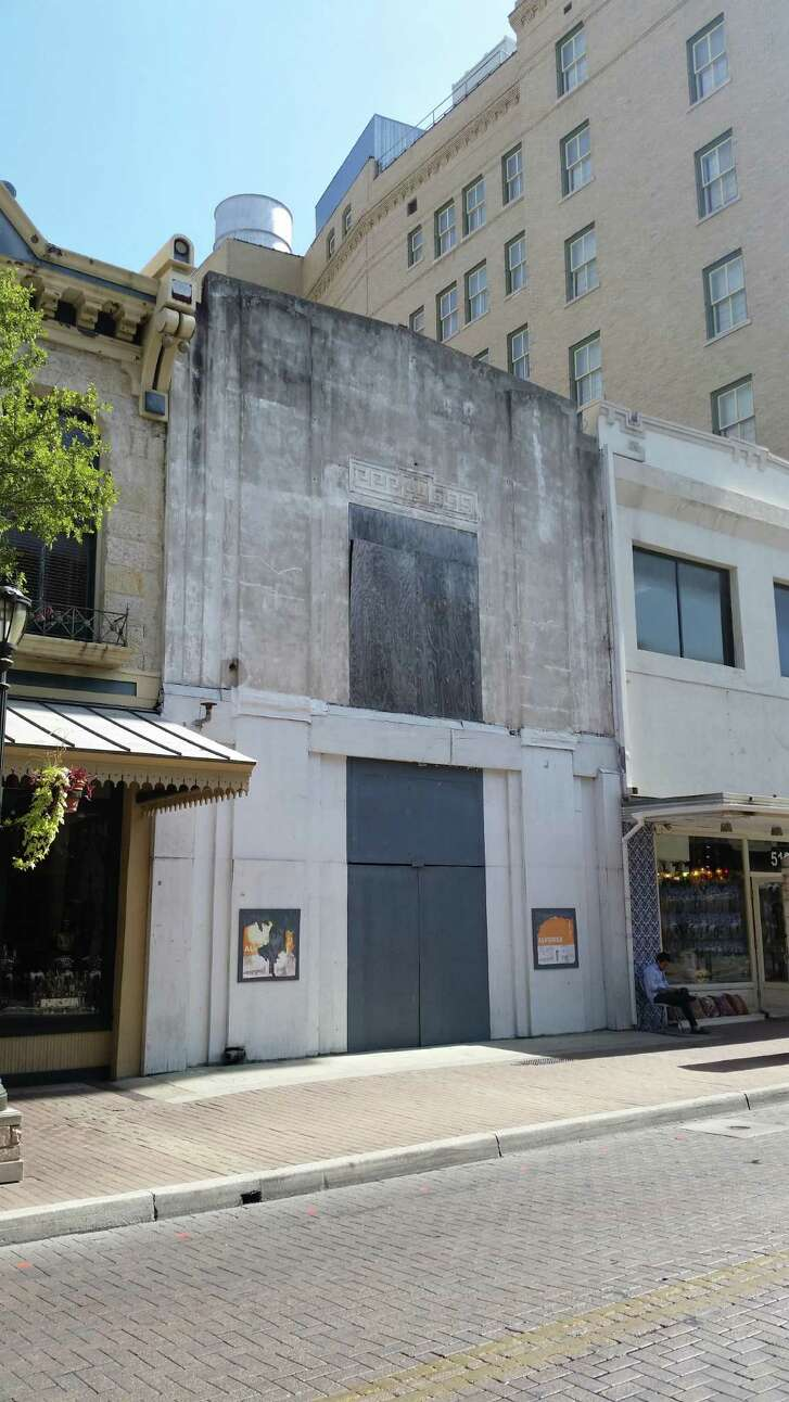 """San Antonio Taco LLC — an entity formed to operate a Taco Bell Cantina restaurant — claims landlord Mike Litofsky of Main Street Properties has """"intentionally interfered with the formation"""" of its franchise agreement by refusing to fulfill the terms of its lease agreement signed with the previous owner of the historic Sol Frank building at 517 E. Houston St."""
