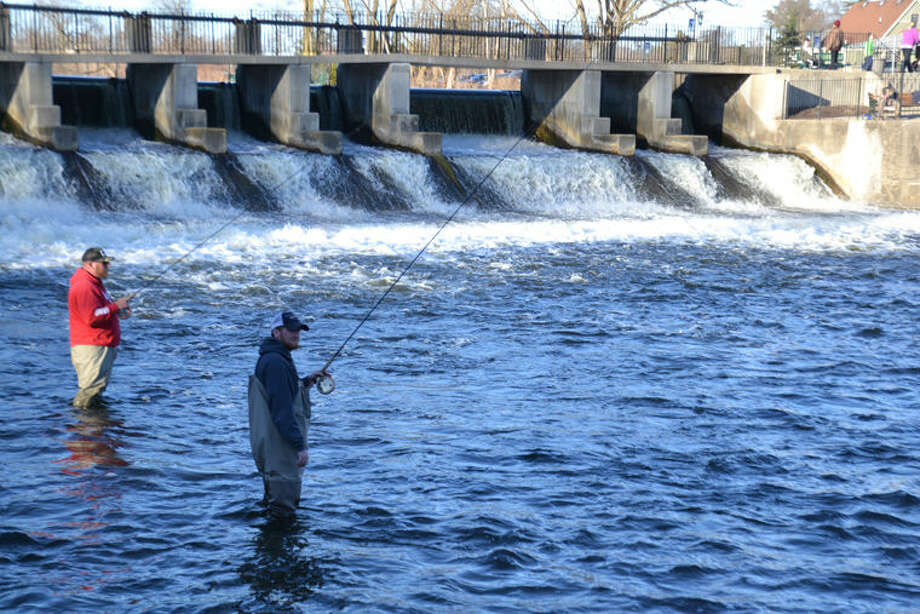 Spring steelhead anglers try their luck on the Rogue River at Rockford. Photo: Steve Griffin | For The Daily News