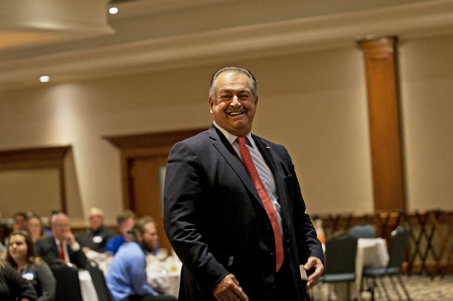 Dow Chemical Chairman and CEO Andrew Liveris was awarded the Corporate Leadership Award by the local chapter of the American Chemical Society during the Midland Section's 25th annual recognition banquet. Photo: Erin Kirkland | Midland Daily News