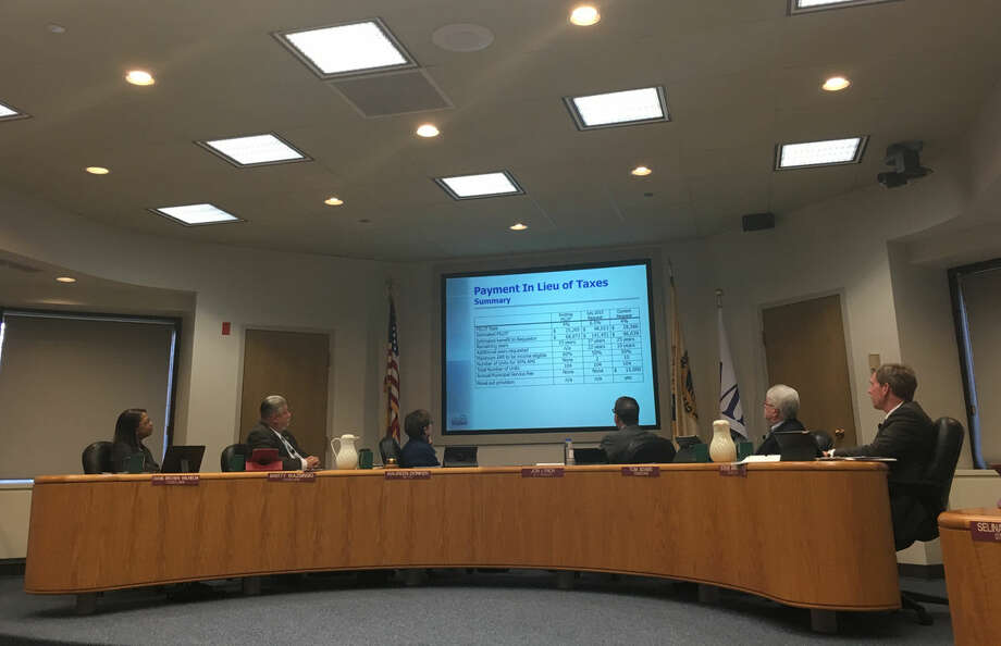 Midland City Council, shown during a meeting in a Daily News file photo, approved the 2016-17 budget on Monday night. Photo: Daily News File Photo