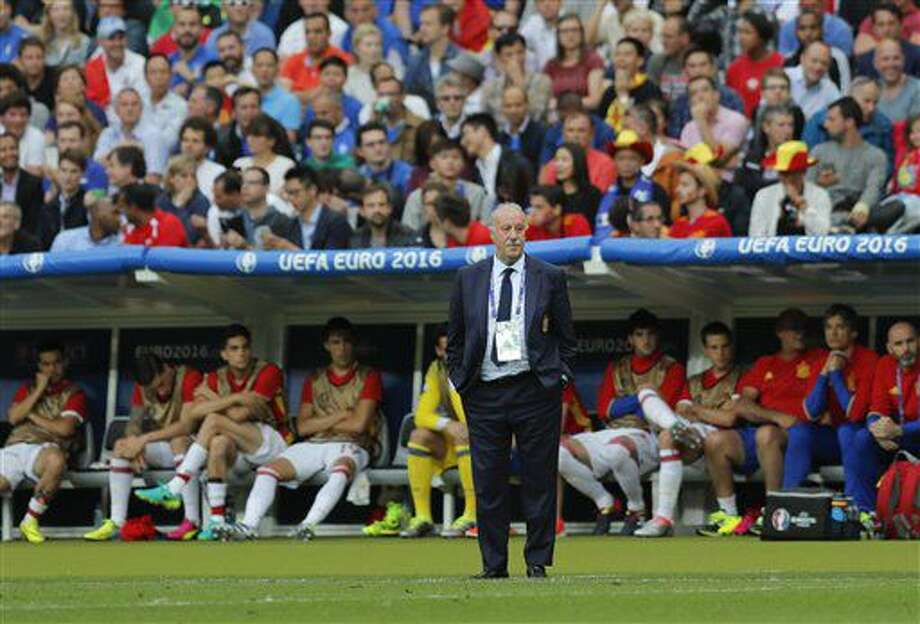 Spain coach Vicente del Bosque stands in front of the bench during the Euro 2016 round of 16 soccer match between Italy and Spain, at the Stade de France, in Saint-Denis, north of Paris, Monday, June 27, 2016. (AP Photo/Manu Fernandez) Photo: Manu Fernandez