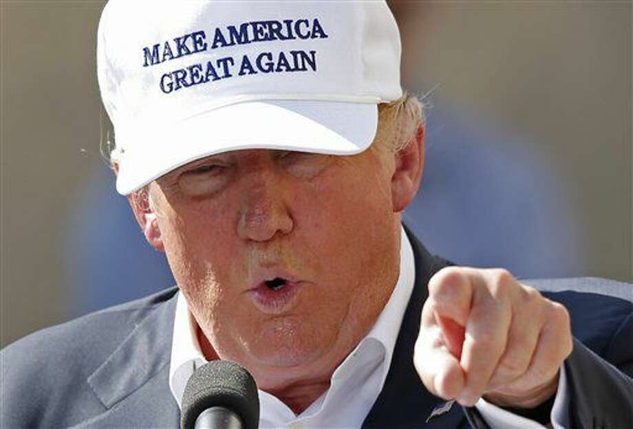 El precandidato presidencial republicano, Donald Trump, habla durante un acto de campaña en la ex fábrica de focos Osram Sylvania, el jueves 30 de junio de 2016 en Manchester, New Hampshire. (AP Foto/Robert F. Bukaty) Photo: Robert F. Bukaty