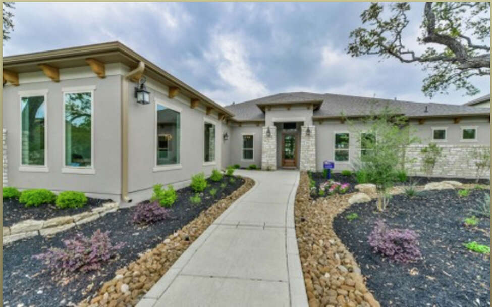 Johnson Ranch • Single-family traditional homes • Up to half-acre homesites • One and two stories available • Elementary schoolonsite • Conveniently located to U.S. Highway 281 • From the $450s