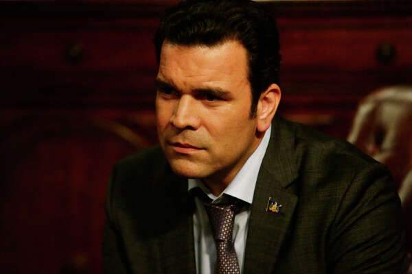 San Antonio's Hollywood star Ricardo Chavira, seen most recently as a presidential candidate on TV's hit series, 'Scandal,' tweeted his commitment to Texas Public Radio's 'Dare to Listen' initiative.