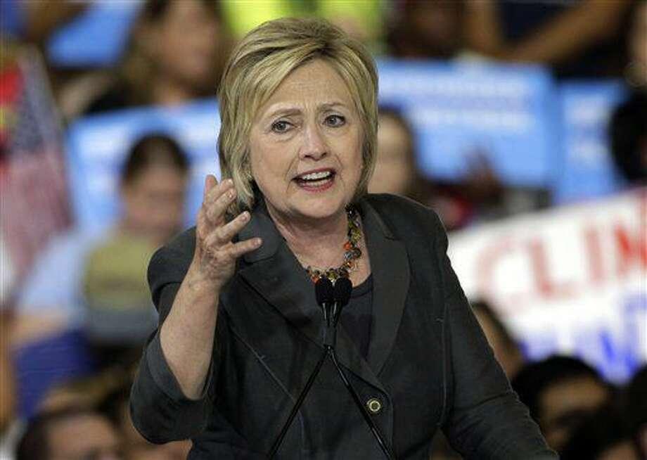 ARCHIVO - En esta foto del 22 de junio del 2016, la candidata presidencial demócrata Hillary Clinton habla en un acto de campaña en Raleigh, North Carolina. (AP Foto/Chuck Burton) Photo: Chuck Burton