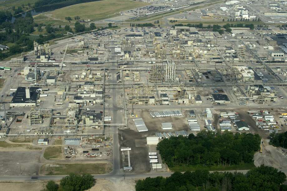 Aerial shot of the Dow Chemical Co. industrial properties on Bay City and N. Saginaw roads taken on July 7, 2016. Photo: Brittney Lohmiller/Midland Daily News