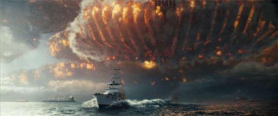 "This image released by Twentieth Century Fox shows a scene from ""Independence Day: Resurgence."" (Twentieth Century Fox via AP"