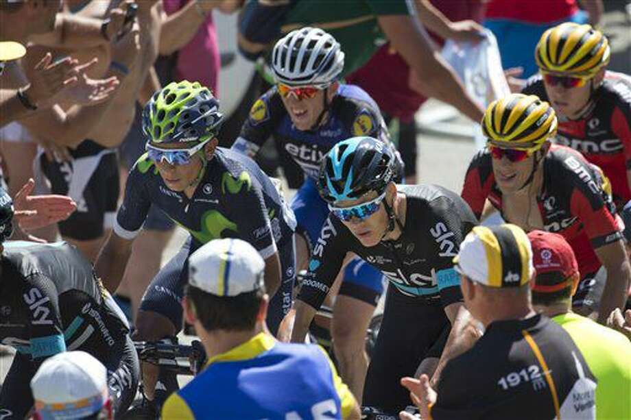 El británico Chris Froome, derecha, y el colombiano Nairo Quintana, izquierda, pedalean en la octava etapa del Tour de Francia el sábado, 9 de julio de 2016, entre Pau y Bagneres-de-Luchon, Francia. (AP Photo/Peter Dejong) Photo: Peter Dejong