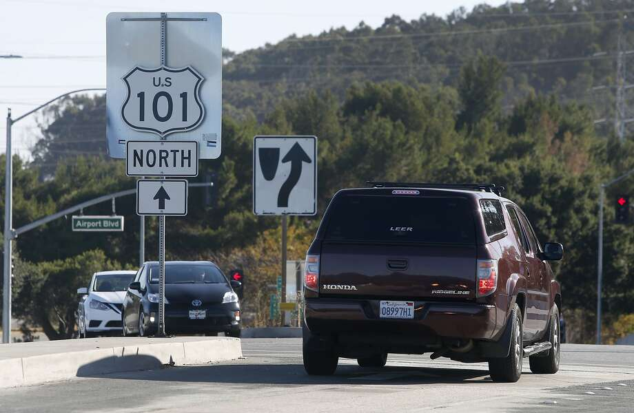 A commuter heads towards the northbound Highway 101 on-ramp near Coyote Point Drive in San Mateo, Calif. on Wednesday, July 13, 2016. Regional transit officials have gathered the necessary funding to begin work on a express lane project on the Bayshore Freeway through San Mateo County. Photo: Paul Chinn, The Chronicle