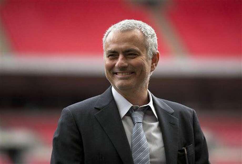 En esta foto de archivo del 1 de febrero de 2016, el técnico José Mourinho sonríe en una actividad en el estadio Wembley en Londres. (AP Photo/Matt Dunham, FILE) Photo: Matt Dunham