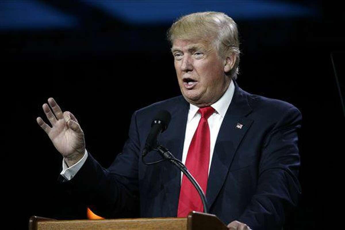 En esta foto del 1 de julio de 2016, el virtual candidato republicano Donald Trump habla en la Cumbre Conservadora del Oeste en Denver, Colorado, EE.UU. Antes un estado indefinido en las elecciones, Colorado parece volcarse hacia el lado demócrata por culpa de Trump. (AP Foto/David Zalubowski)